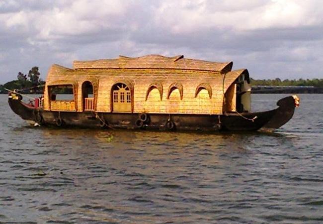 3 Nights 4 Days Cochin Alleppey  Houseboat Kumarakom Package