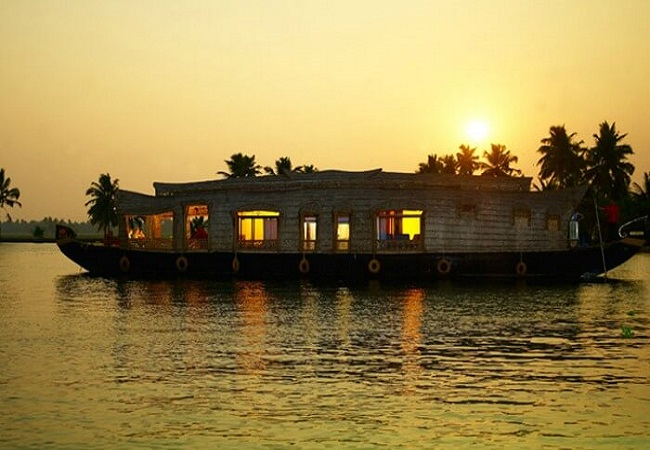 1-day-kumarakom-houseboat-package