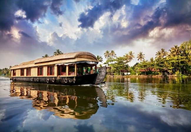 6 Nights 7 Days Cochin Munnar Thekkady Kumarakom Alleppey Houseboat Kerala Tour Packages