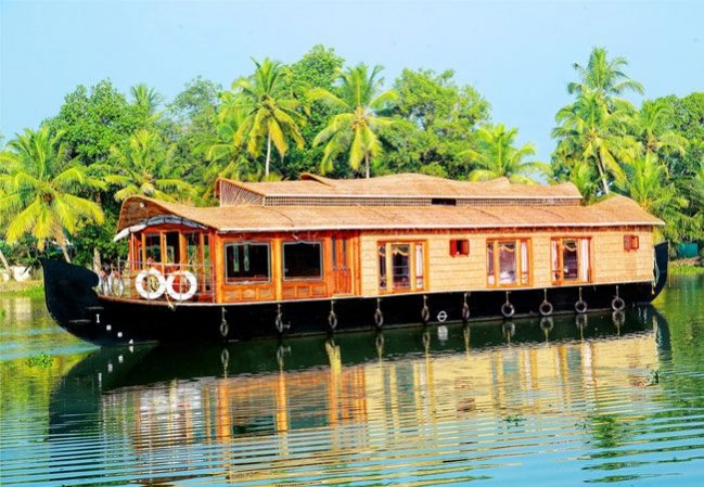 1 Night 2 Days Alleppey Houseboat Package